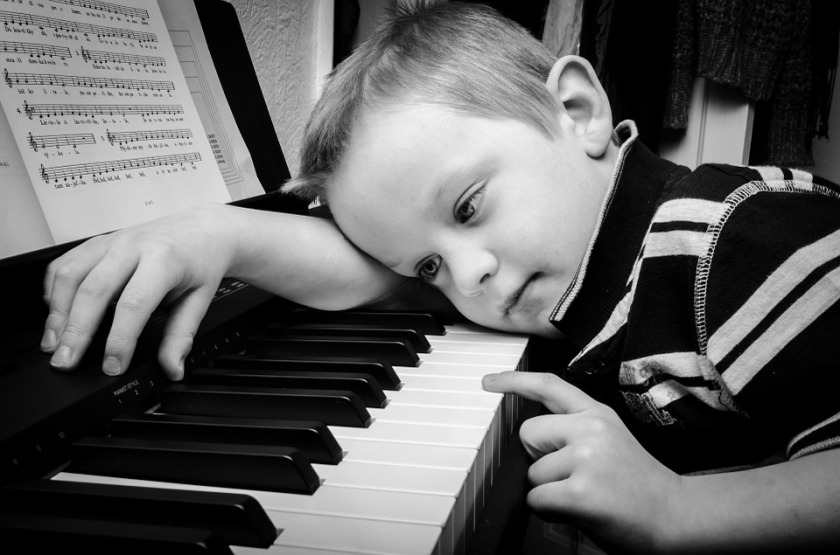 child-bored-with-piano